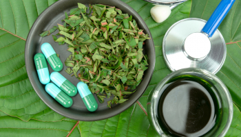 13 Benefits of Kratom to Consider for Health Goals